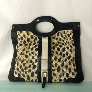 L.A.M.B. Gwen Stefani Messenger Clutch/handbag